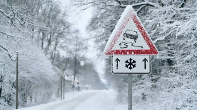 Atenție! Vin ninsori abundente în câteva regiuni ale României. ANM a emis COD GALBEN. Vom putea face și un om de zăpadă afară