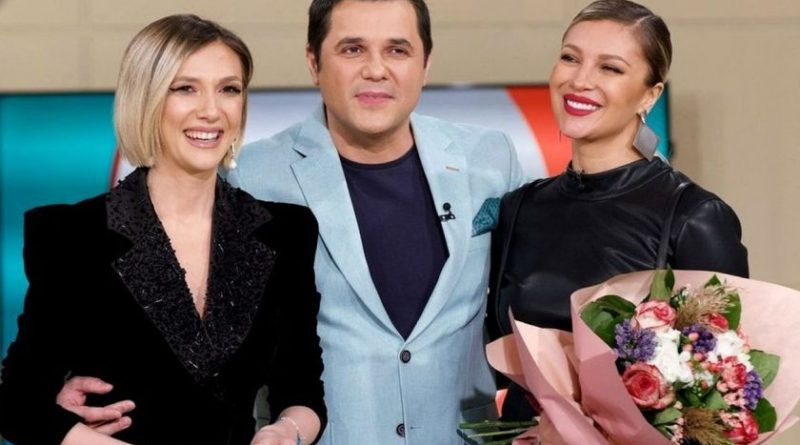 """Cu ce se ocupă Adela Popescu după ce a plecat de la """"Vorbește Lumea""""? Lora, noua prezentatoare a murit de râs când a aflat cu ce se ocupă"""