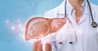 Detoxifierea ficatului. Dr. Josh Axe explică modul natural de a o face