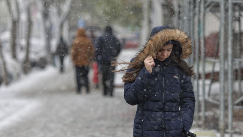 Avertizare meteo. Urmează 3 zile de vreme deosebit de rece, îngheț și brumă