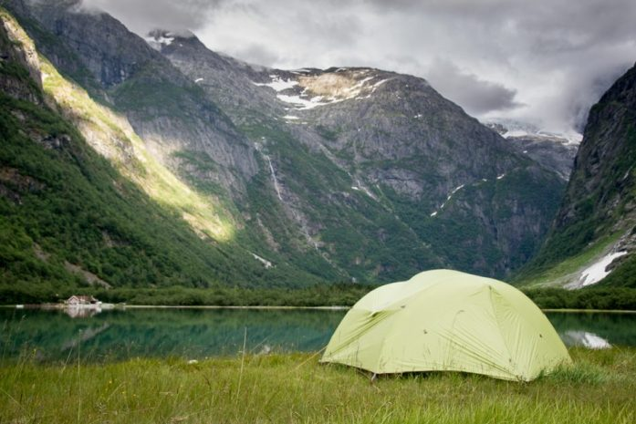 What are the rules for sleeping in a car and wild camping in Norway?