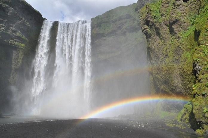 Co navštívit na Islandu jih Islandu - vodopád Skogafoss