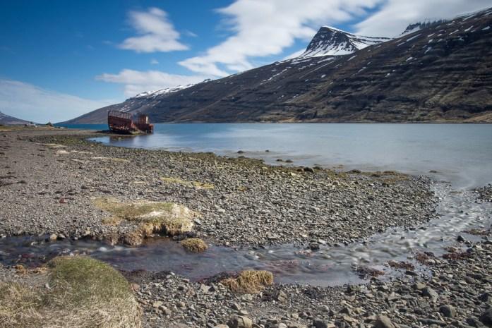 Vrak lodi v Mjoifjordur, Island Východní fjordy