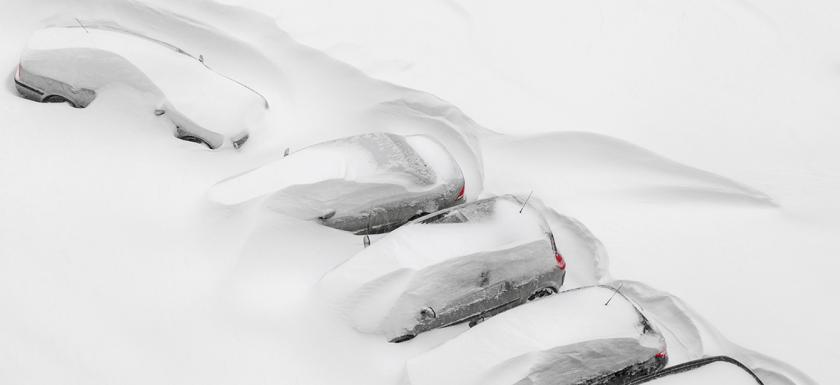 gw-images-extreme-weather-cars-covered-in-snow