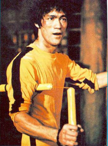 Bruce Lee Nunchuck2