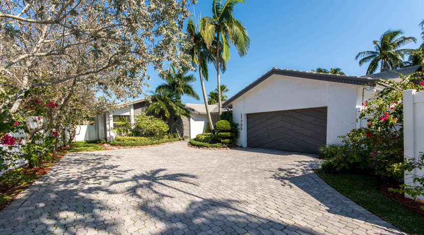 Waterfront-Pool-Home-Cooper-City-1