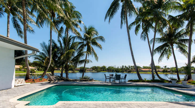 Waterfront-Pool-Home-Cooper-City-4