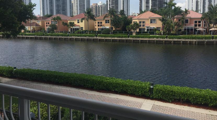 Aventura-Waterfront-Townhouse-3