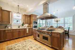 MoreRealEstate-2116Duskywing_015_Kitchen