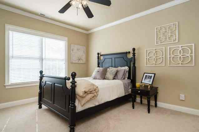 025 - 205 Settlecroft Presented by MORE Real Estate_Bedroom