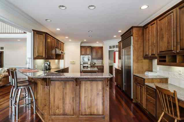 013_2708 Rolling Oaks Lane_ Presented by MORE Real Estate_Kitchen