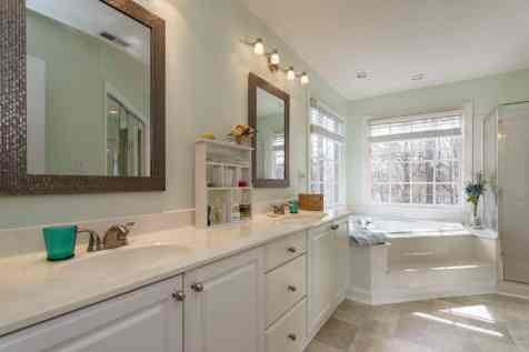 017_106 Huntsmoor Lane Presented by MORE Real Estate_Master Bathroom