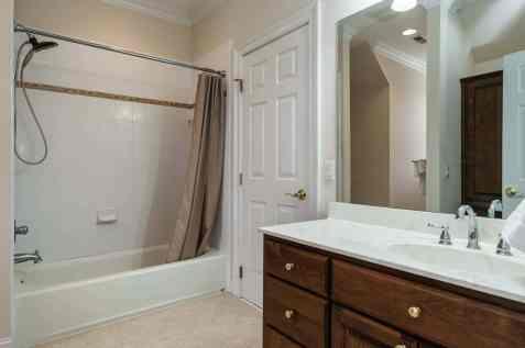 028_2708 Rolling Oaks Lane_ Presented by MORE Real Estate_Bathroom