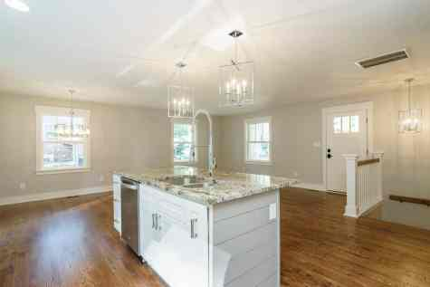 014_315 Glen Valley Presented by MORE Real Estate_ Kitchen