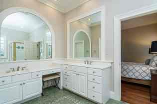 022_7109 Haymarket Lane Presented by MORE Real Estate_ Master Bathroom