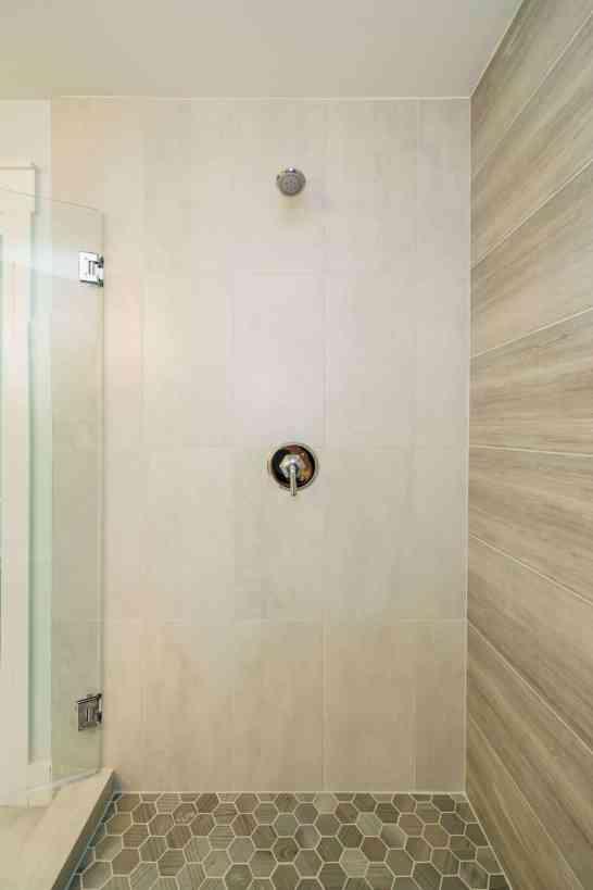 025_315 Glen Valley Presented by MORE Real Estate_ Master Bathroom