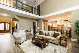 011_7301 Incline Drive Presented by MORE Real Estate_ Great Room