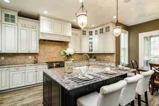015_7301 Incline Drive Presented by MORE Real Estate_ Kitchen
