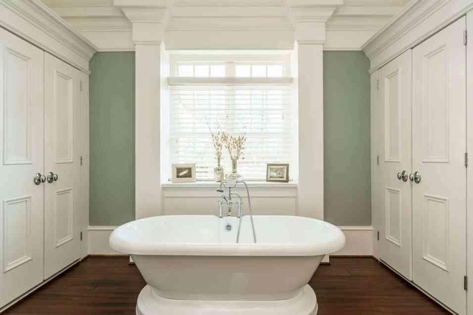 017_417 North Harrison Place Lane_ Master Bathroom