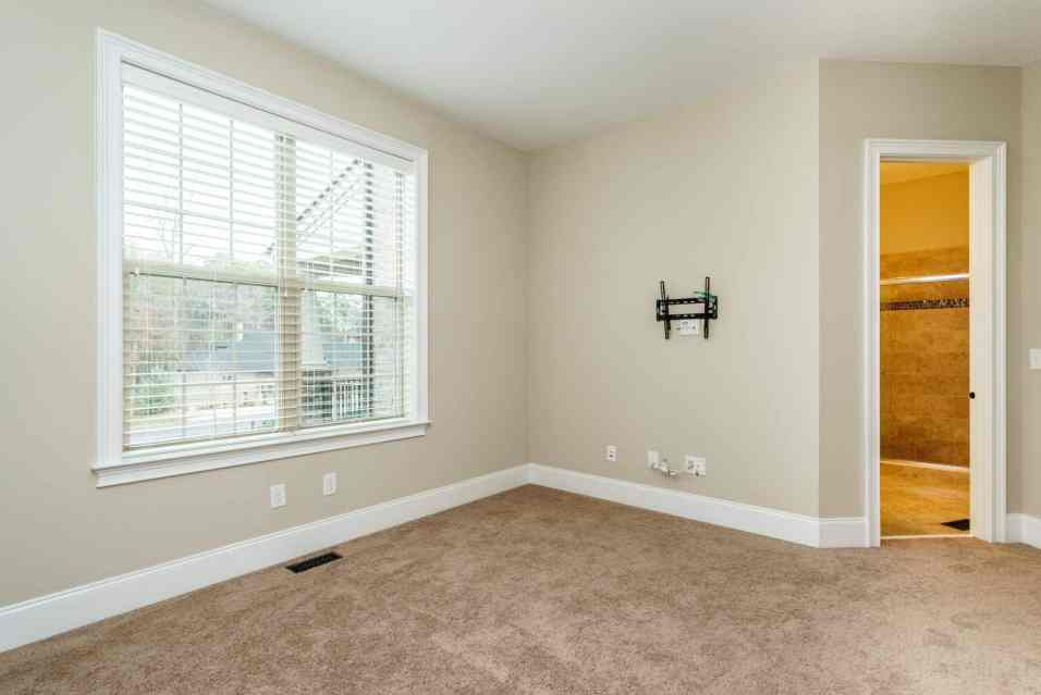 021_7301 Incline Drive Presented by MORE Real Estate_ Guest Bedroom