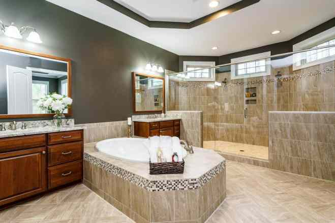 026_7301 Incline Drive Presented by MORE Real Estate_ Master Bathroom