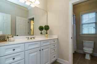023_775 Heritage Arbor Drive Presented by MORE Real Estate_Bathroom
