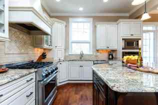 011_9017 Wildwood Links Presented by MORE Real Estate_Kitchen