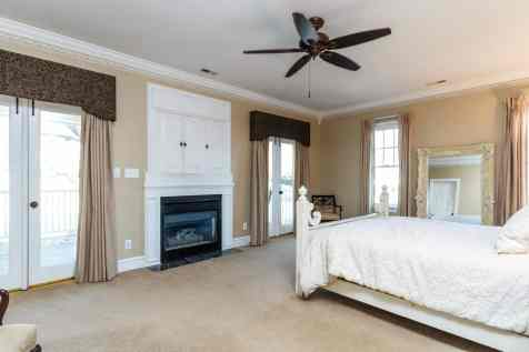 021_9017 Wildwood Links Presented by MORE Real Estate_Master Bedroom
