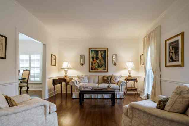 005 Stonehenge Beaut on Riddle Place presented by MORE Real Estate Group_Living Room