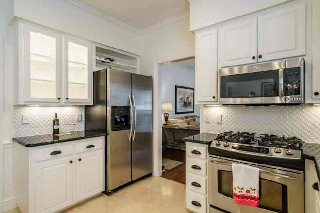 016 Stonehenge Beaut on Riddle Place presented by MORE Real Estate Group_ Kitchen