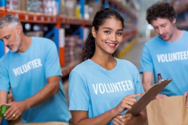 real estate agent volunteer