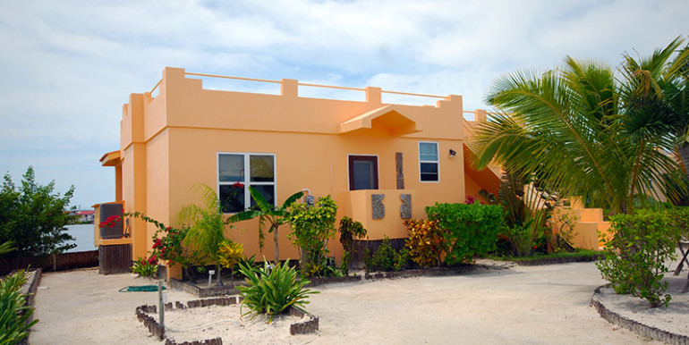 belize-waterfront-villa-770x386