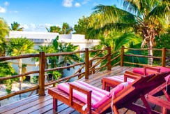 luxury-beachfront-villa-belize-veranda3-770x386