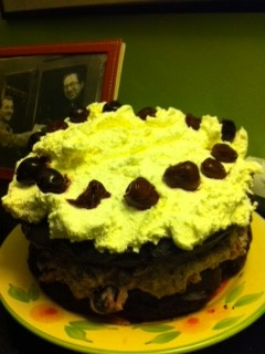 Black Forest gateau - no flour, no butter, no sugar (1/6)