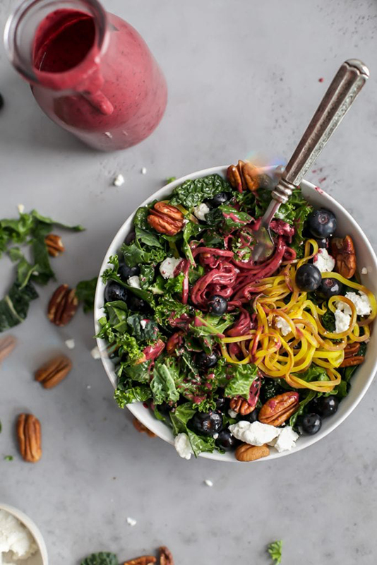 The Best of Whole30 Recipe Roundup l kale salad with spiralized golden beets