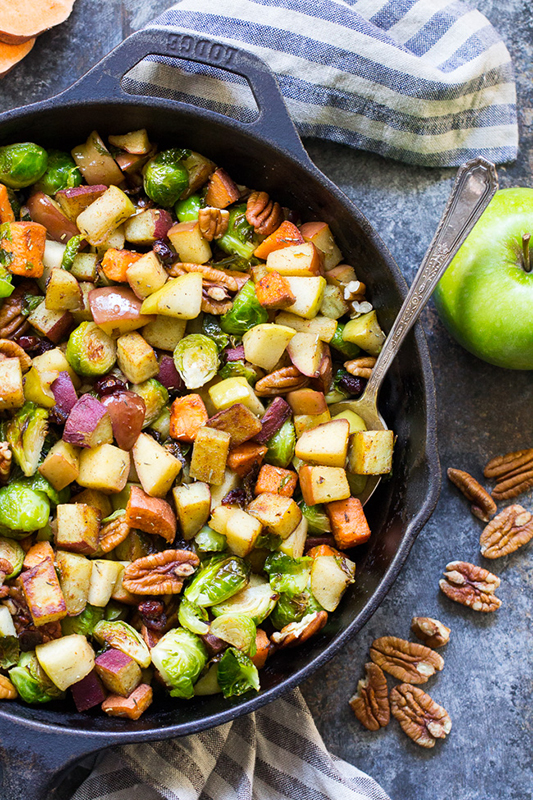 The Best of Whole30 Recipe Roundup l sweet and savory harvest sweet potato hash