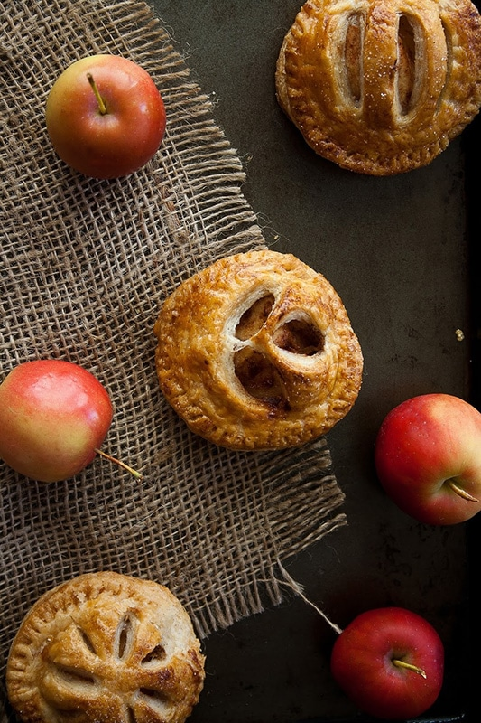 20+ Amazing Apple Recipes for Fall l spiced crab apple mini pies