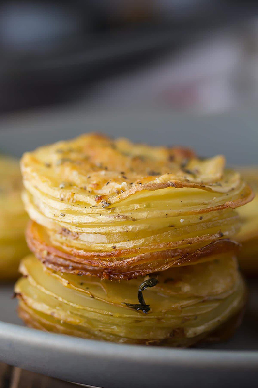 Healthy Thanksgiving Sides Recipe Roundup l parmesan rosemary potato stacks