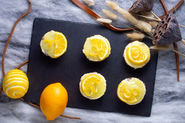 Lemon Mini Cheesecakes