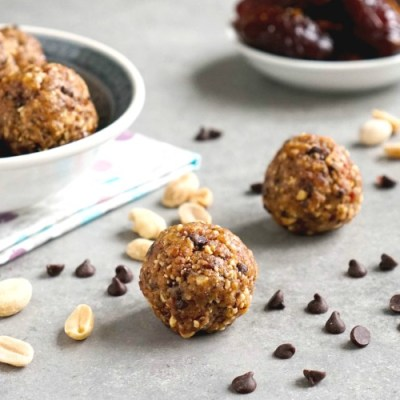 Edible peanut butter cookie dough bites are the best healthy snack!