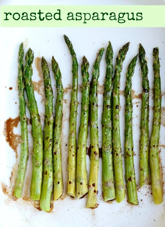 Roasted asparagus is such a healthy recipe to enjoy when spring finally arrives! This recipe shows you how to roast asparagus easily.