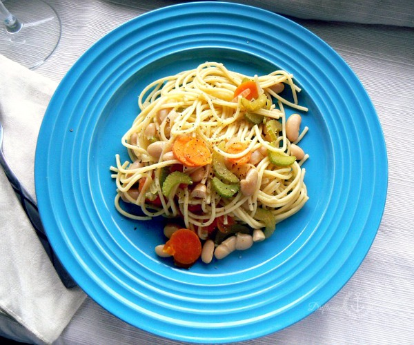 Tuscan White Beans and Pasta, one of 20 frugal vegan dinner recipes in this great recipe round-up