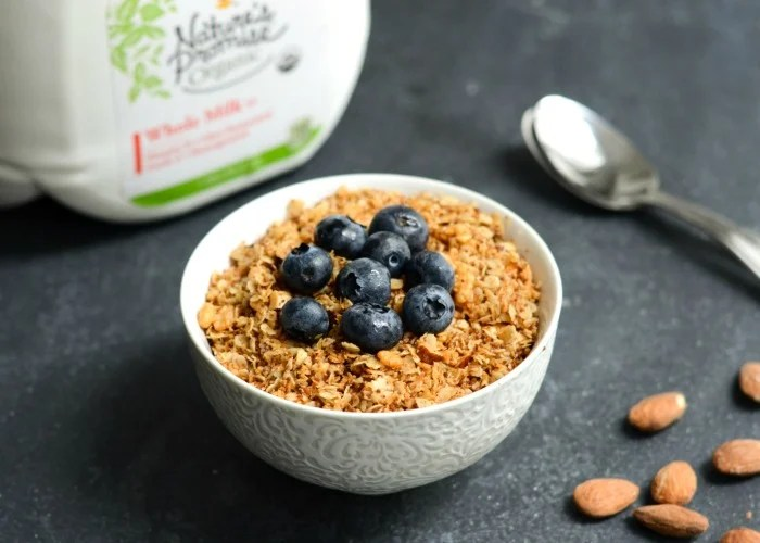 Such a delicious coconut granola recipe for breakfast!