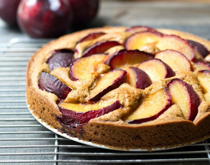 Such a delicous gluten-free plum cake recipe! Classic snack or dessert.