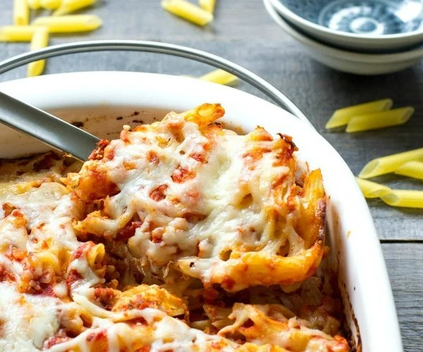 This baked pasta casserole is the perfect frugal, healthy dinner!