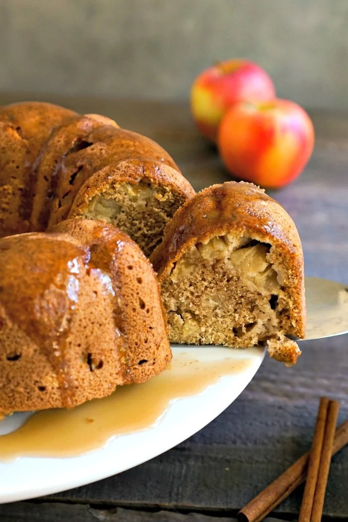 Healthy apple bundt cake from realfoodrealdeals.com