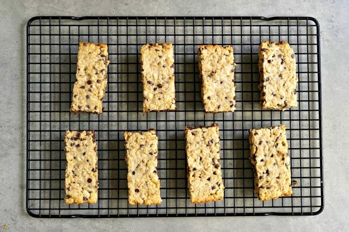 These healthy oatmeal bars are so much better than the store-bought version!