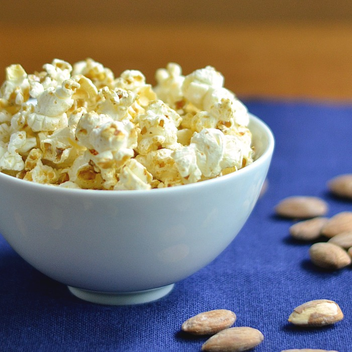 This vanilla almond popcorn is so delicious!