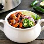Healthy vegan slow cooker chili