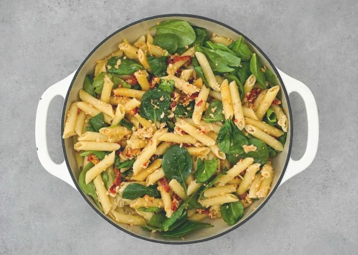 This canned salmon pasta has so much delicious flavor!